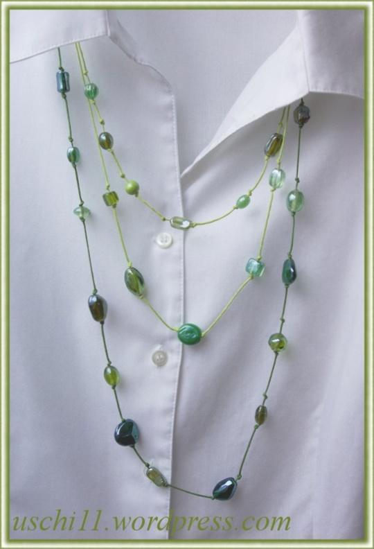 gruene-kette-aus-glasperlen